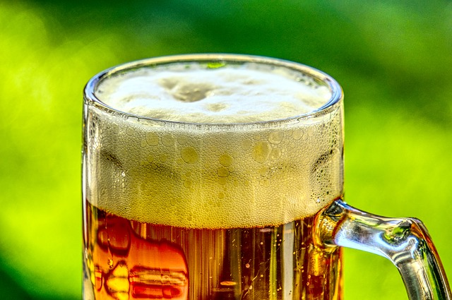 pivo s pěnou.jpg