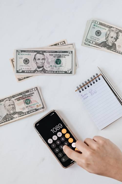 peníze papír kalkulačka