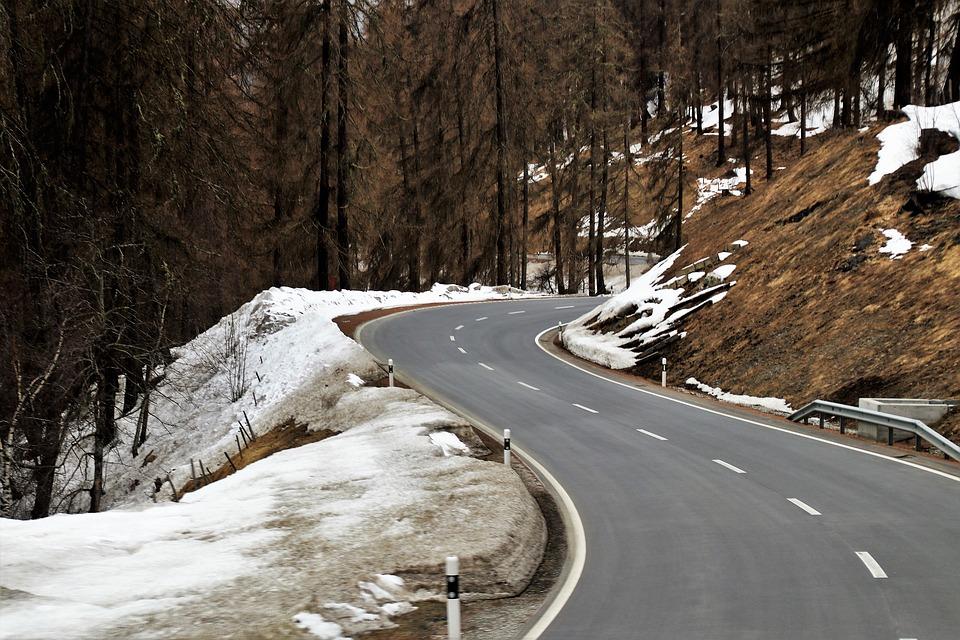 zatáčka silnice